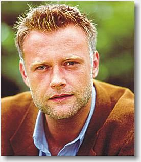 LARS KLINGERT  - Journalist, speaker, talelærer, træningsleder og foredragsholder - Elmerdahl.dk
