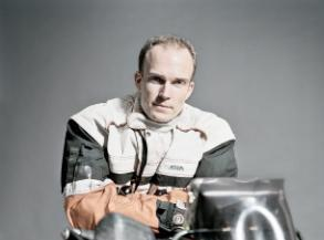 Nicolai Moltke-Leth - E-ntertainment