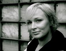 Vicki Berlin - E-ntertainment